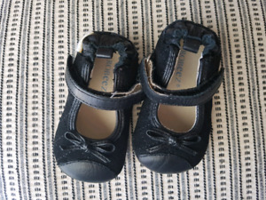 Robeez Baby Girl Leather Shoes (3-6 mo)