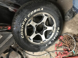 Selling set of summer tires p215/70R15