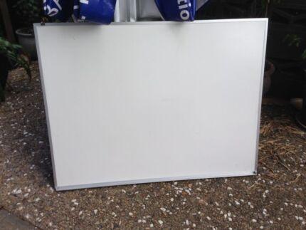 Whiteboard 120 x 92
