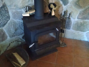 Excellent Condition Compact Wood Stove - 1500-2000 sq/ft.