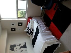bedroom available in central location, great for students