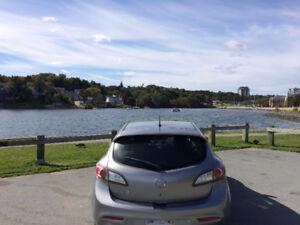 Reduced Price on Amazing Mazda3 2010 Hatchback!