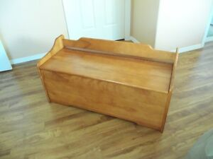 Solid Maple Blanket Box