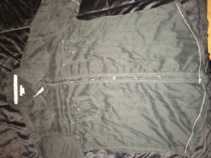 Dress shirts/blouses size med youth/men
