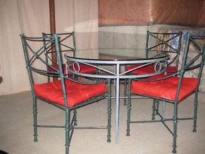 OUTDOOR/PATIO/DINNING TABLE SET(CAST IRON)