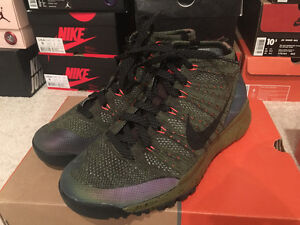 Nike Flyknit Chukka FSB  shoes in size 8.5 US