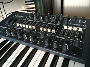 Arturia MiniBrute  Analog Synth 25-Key Keyboard Synthesizer