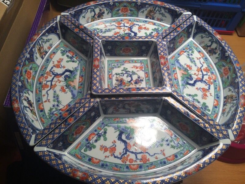 Asian style serving dishes