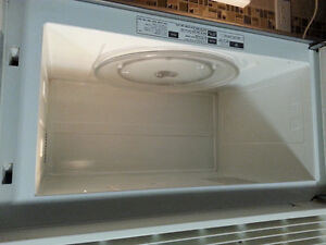 GE Spacesaver Over the Stove Microwave