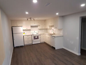 $1195 Incl - Newly Renovated, 2  Bedroom Apartment  in a duplex