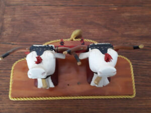 VINTAGE PRIMITIVE FOLK ART OXEN IN YOKE WALL HANGING