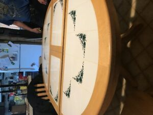 table set with built in leaf