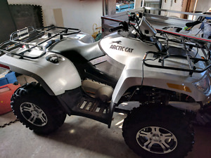 2009 Arctic Cat 700H1 SE