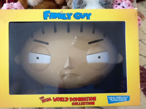 FAMILY GUY TOTAL WORLD DOMINATION  SET - STEWIE HEAD COLLECTIBLE