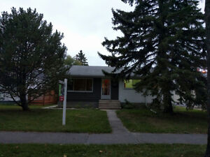 745 Beaverbrook st. - amazing home close to everything