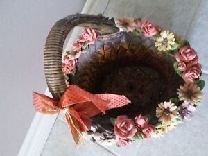 DECORATIVE FLORAL CLAY PLANTER BASKET WITH HANDLE London Ontario image 5