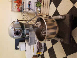 KIMBELL 20 qt mixer. With bowl and whisk attachments