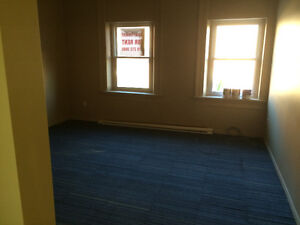 Large One Bedroom Available Immediately in downtown Seaforth Stratford Kitchener Area image 4