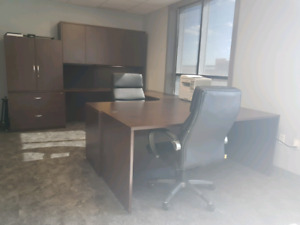 High quality office desk set including chairs - As New