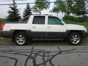 2003 Chevrolet Avalanche Z71 - $3000 O.B.O