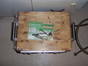 2 grande planches en bois pour cuisine neuf a vendre!