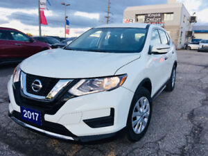 2017 Nissan Rogue SL/Heated seats /Back up Camera/only 4200Km