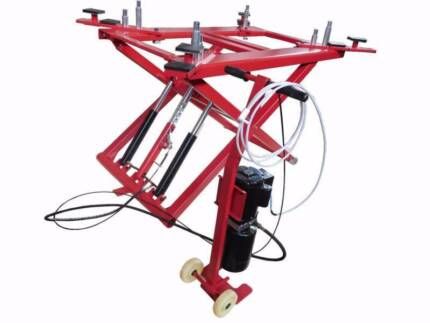 Portable Scissor Lift / Car Lift / Car Hoist / Workshop