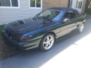 FORD MUSTANG 5.0 LITER CONVERTIBLE ONLY 74 000 KILOMETERES