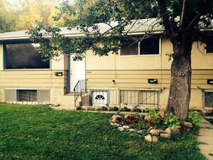 ALL UTILITIES INCLUDED - 3-BDRMS close to Whyte Avenue!