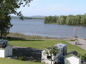 Waterfront sites available on the Ottawa River