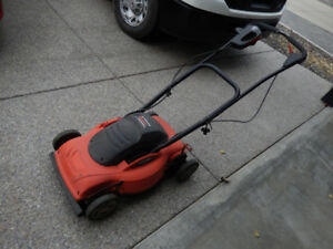 "Black and Decker 18"" Electric Mulching Mower"