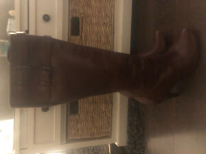Authentic Cole haan leather boots w/ Nike Air sole ~ size 10