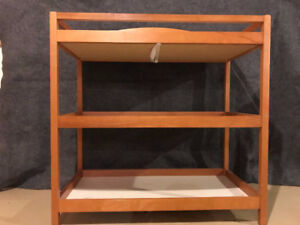 Baby changing table  / Table à langer