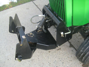John Deere Quick hitch for 300 series tractor