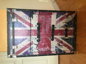 Union Jack mirror and trunk set