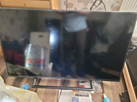 Hisense 50 inch smart tv 2019 model with stand