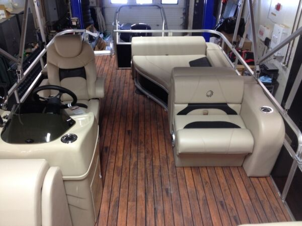 Used 2015 Lowe Boats SS210RFL