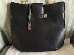 BRAND NEW '' IVANKA TRUMP '' JESSICA BUCKET SHOPPER   HAND BAG F