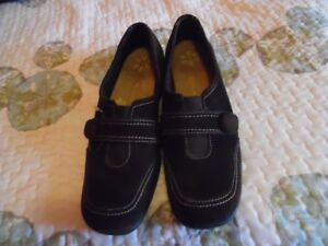 Dr scholl's shoes for sale...never worn