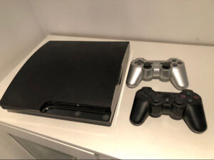 PS3 120GB, 2 controllers + 9 Games