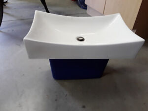 Bathroom Sink-Like New Only Used for 1 Week