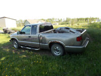 3  pickups Chevrolet S-10 Pickup Truck restore or parts