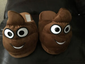 Emoji Poo Slippers.  Boys size 7-8.  *New*.
