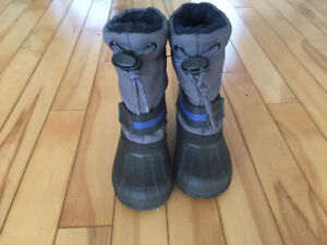 Boys winter boots size 5