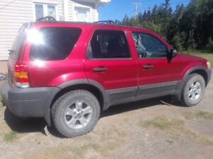 ***** 2007 FORD ESCAPE XLT 4WD AND CRUISER MOTORCYCLE *****