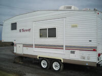 Fifth wheel Terry lite Canadian Edition 24.5 pieds
