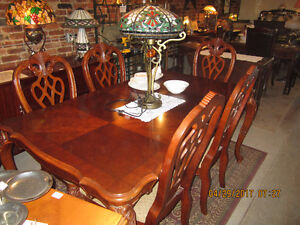 Beautiful Mahogany Dining Set