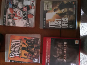 4 PS3 Games , 2 Controllers