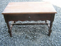 TRES BELLE TABLE ANTIQUE EN BOIS MASSIF 1 TIROIR