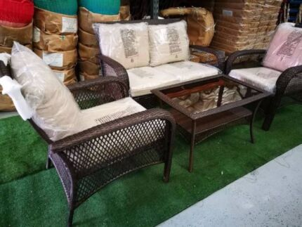 outdoor seating and coffee table